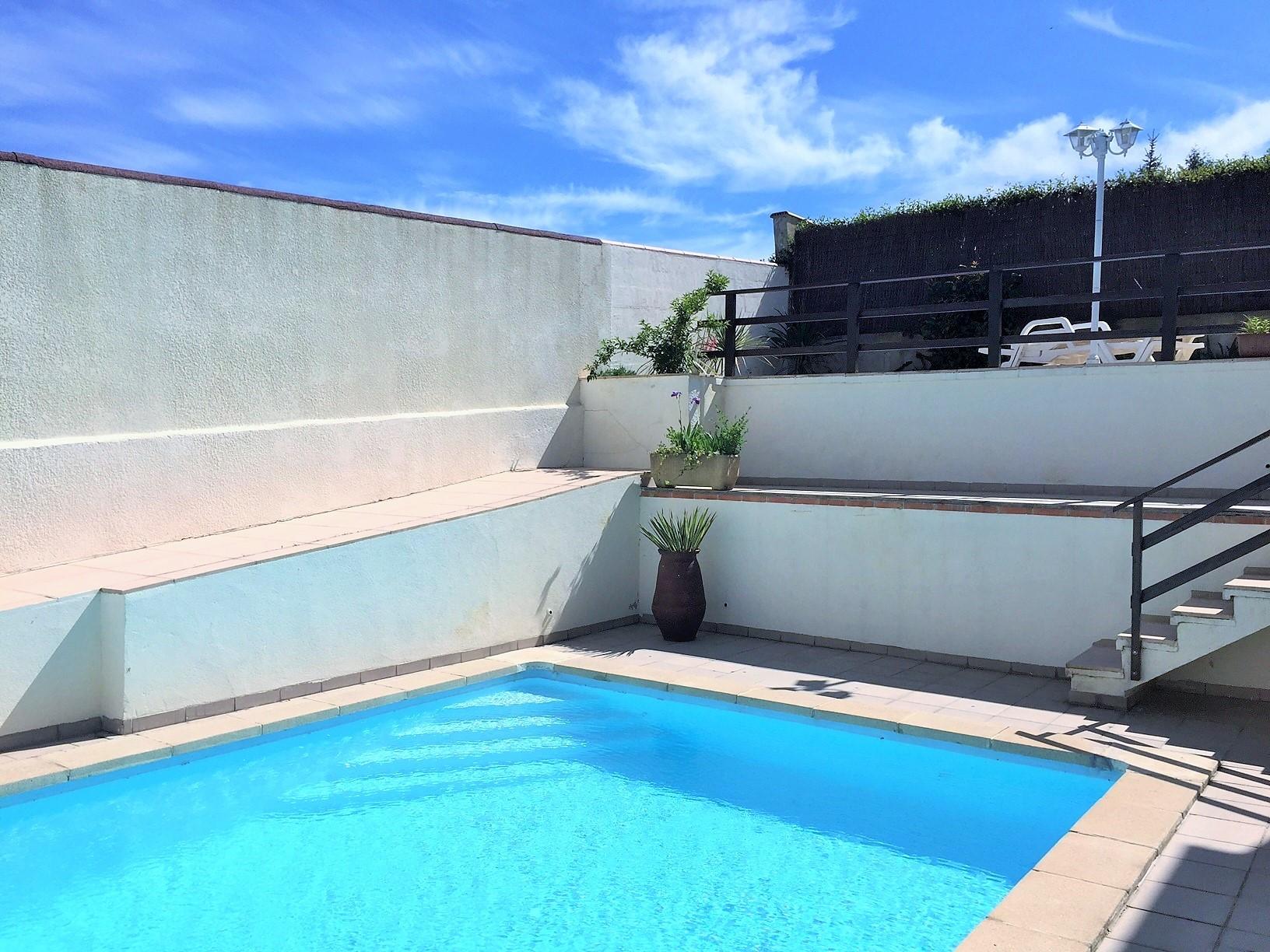 a piscine 1+